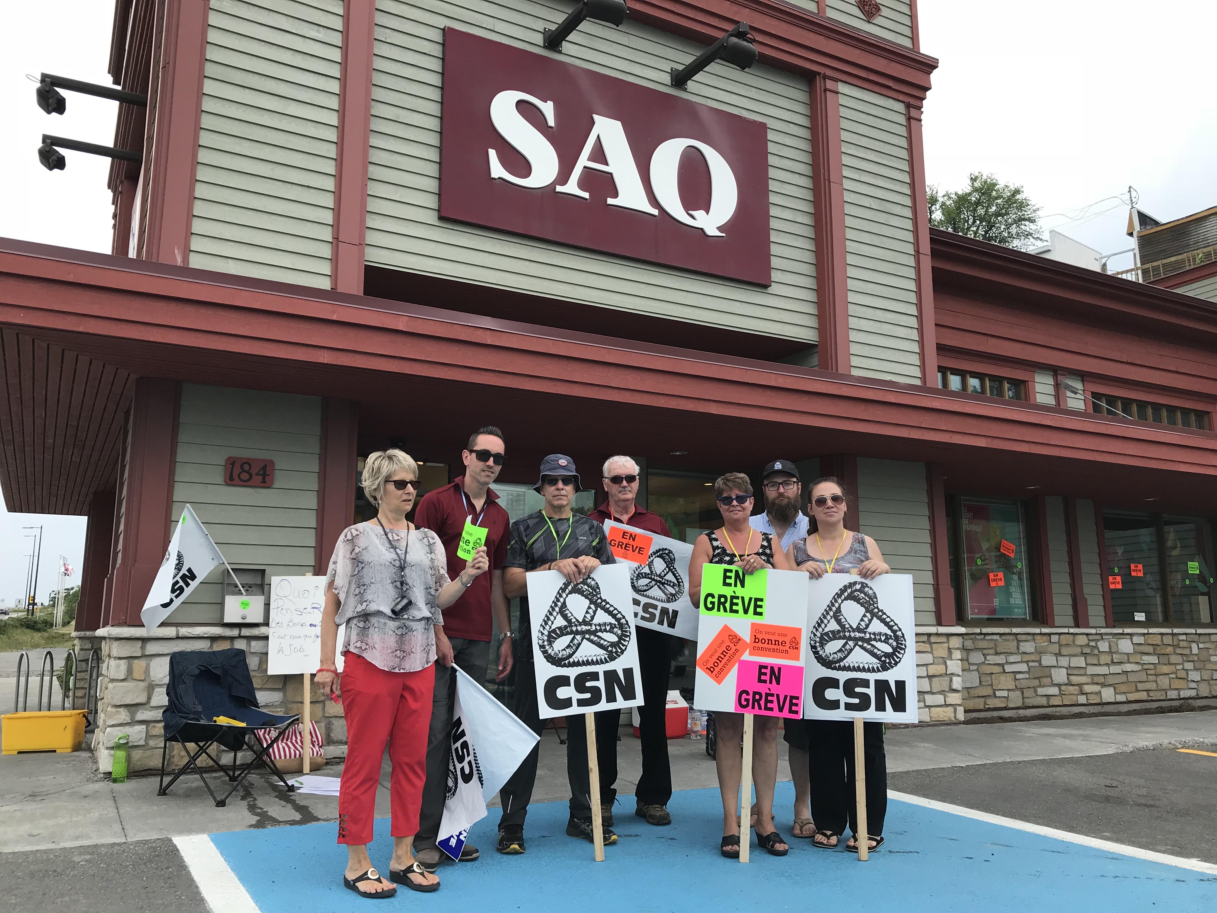 Les employés de la SAQ de Gaspé en grève